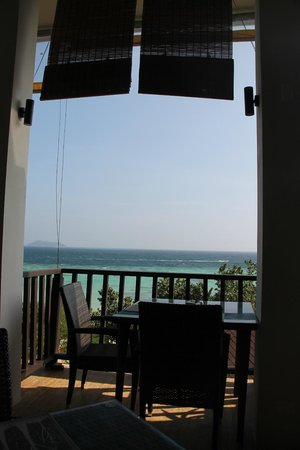 Holiday Inn Resort Phi Phi Island: View from Breakfast (Coral Wing)