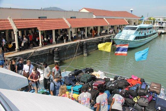 Holiday Inn Resort Phi Phi Island: View of people boarding Ferry departing from Rassada Pier to Phi Phi (Andaman Wavemaster)