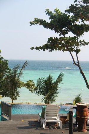 Holiday Inn Resort Phi Phi Island: Amazing colors