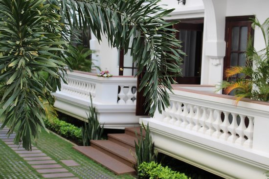 Chateau d'Angkor La Residence: Hotel Building