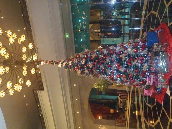 JW Marriott Hotel Dubai: Bful Lobby