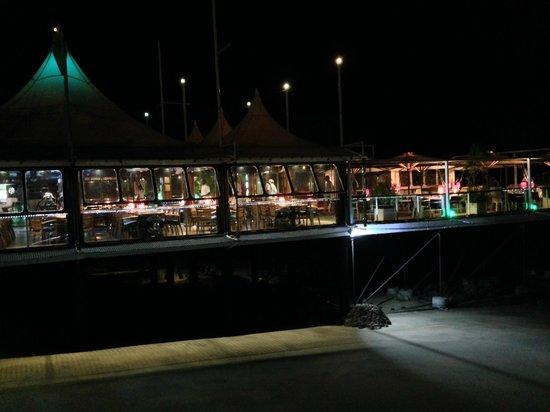 King Fahd Palace: Il ristorante di sera