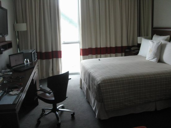 Four Points by Sheraton Los Angeles : room
