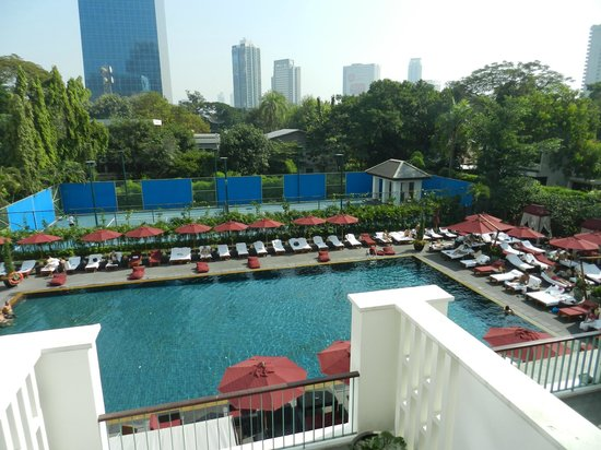 The Sukhothai Bangkok: the view of the pool from our room