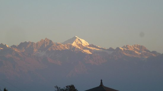 Niva Niwa Lodge: Cime himalayane all'alba
