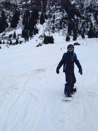 Skischule Exclusiv Berg - Oberlech GmbH: Sheran snowboarding