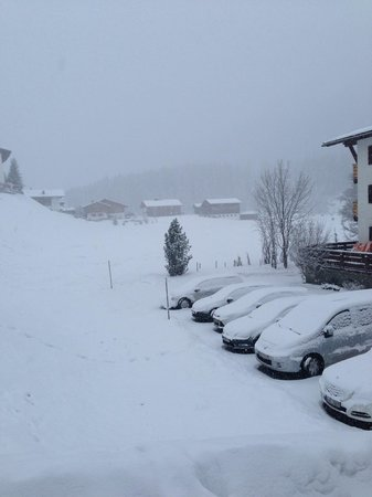 Skischule Exclusiv Berg - Oberlech GmbH: first snow fall after 2013 Christmas