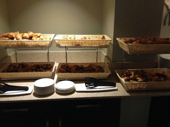 Aprilis Hotel: breakfast