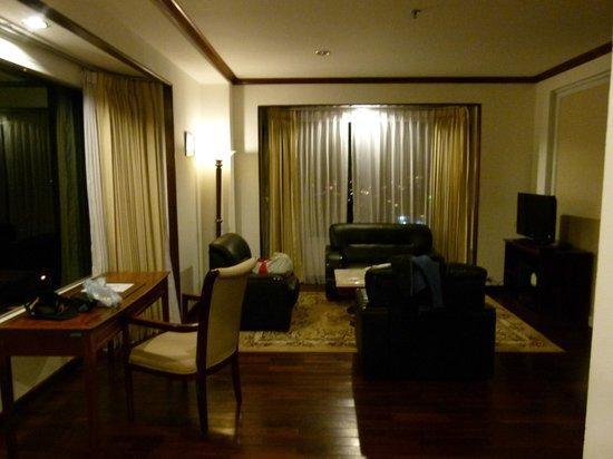 Champasak Grand Hotel: Half of the room