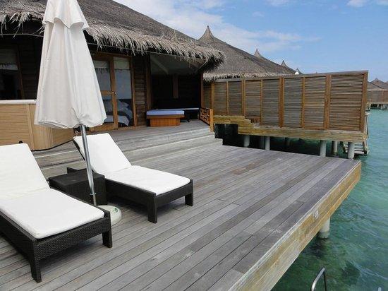 Kuramathi Island Resort: наша веранда