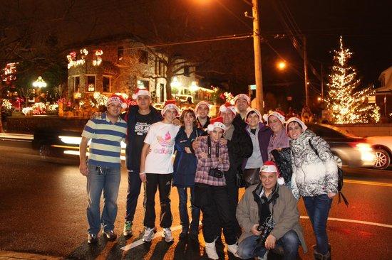 Vea NY Tours - Gerardo Giraldos: foto de grupo en la excursión Luces de Navidad junto a Fernando