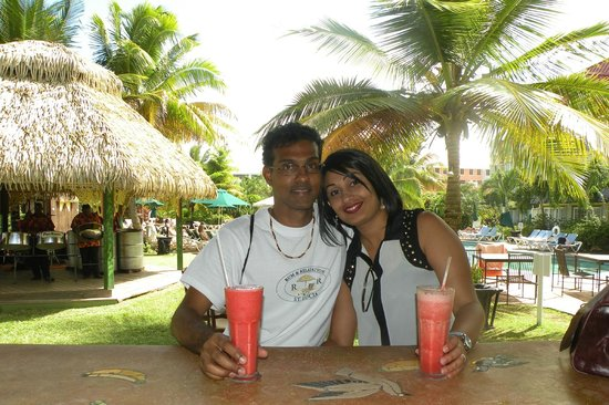 Coco Palm Resort: Relaxing in Paradise