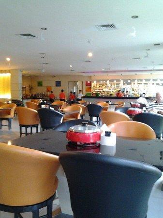 aj brandon restaurant in the fm7 resort hotel jakarta setiabudi rh tripadvisor com