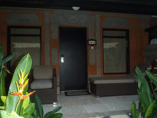 Legian Beach Hotel : Our room