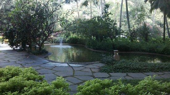 The Oberoi, Bengaluru: Garden area