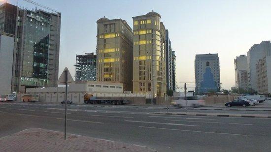 Plaza Inn Doha: Vista dall'Hotel -2