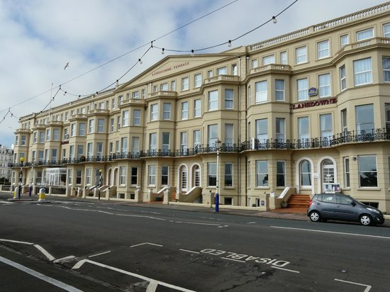 Best Western Lansdowne Hotel: The Majestic facade of the Lansdowne Hotel