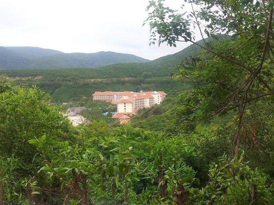 Vinpearl Nha Trang Resort : Вид на отель с горы