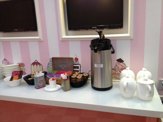 Hotel Vice Versa : Breakfast