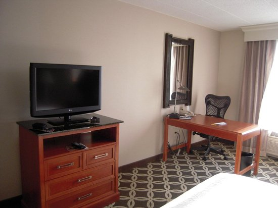 hilton garden inn chicago north shoreevanston room - Hilton Garden Inn Evanston