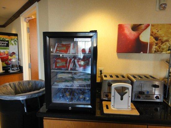 Fairfield Inn & Suites by Marriott Orlando Near Universal Orlando Resort: DESAYUNO 1