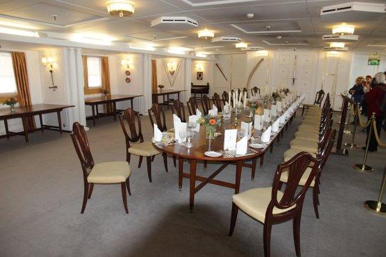 HMY Britannia: Королевский обеденный зал