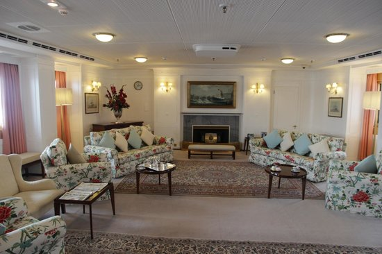 HMY Britannia: Холл для послеобеденного отдыха