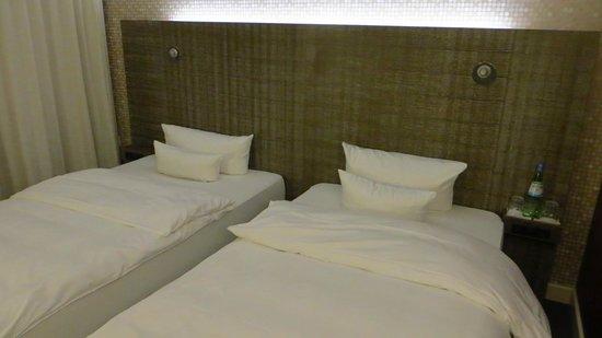 pentahotel Kassel: Bett