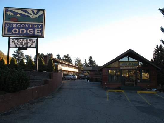 Discovery Lodge: the motel