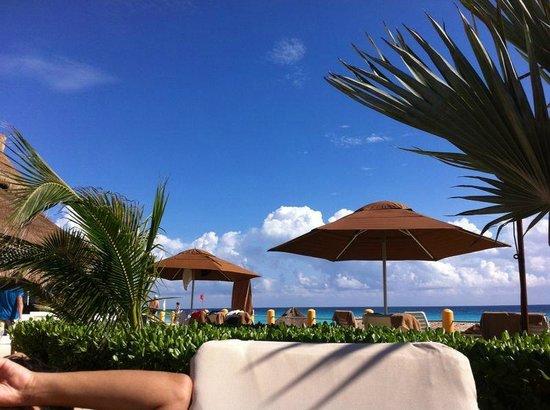 Fiesta Americana Condesa Cancun All Inclusive: Piscina / Praia