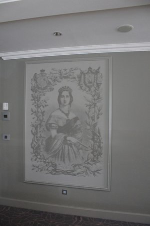 Queen Victoria Hotel & Manor House : Queen Victoria picture in the bedroom