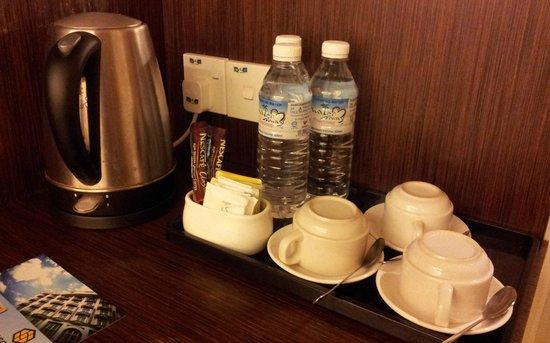 Seemsoon Hotel : Kitchenette.
