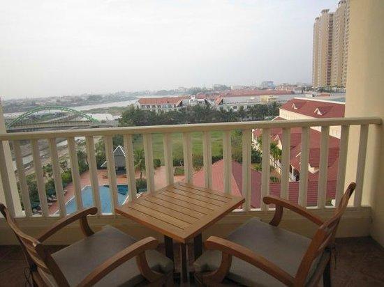 Sofitel Phnom Penh Phokeethra: Balcony