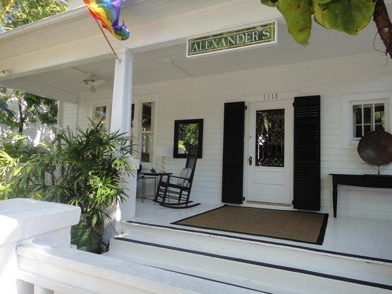Alexander's LGBT Guesthouse: ENTRADA