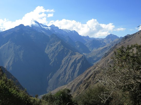 Camino Inca: View from Dead Women's Pass