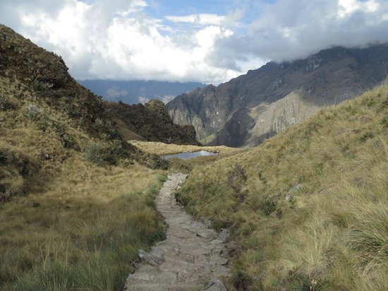 Camino Inca: View along the trail