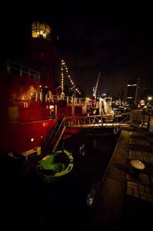Vessel 11: Tinto bij nacht