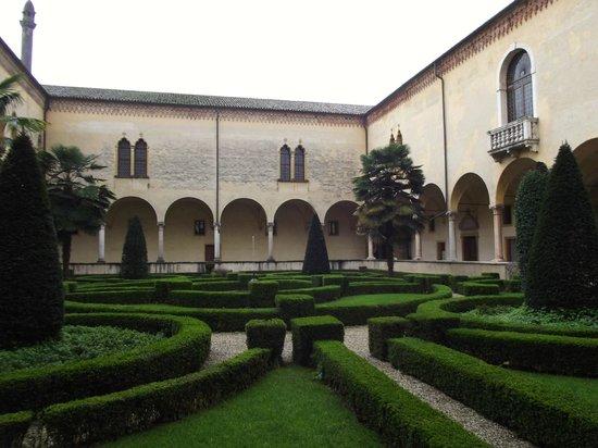 Abbazia di S.Maria di Praglia: chiostro basso