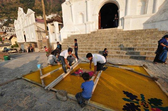 Casa Palopo: Una de los puebles alrededor del Hotel