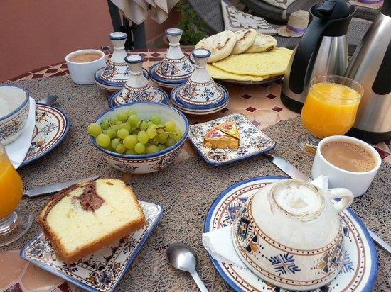 Riad Charme d'Orient: Breakfast