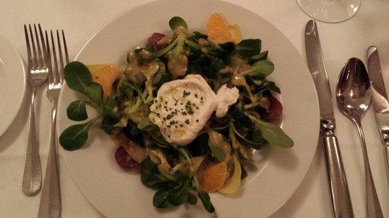 """Restaurant Weisses Rössli: Der """"kleine"""" Salat als Vorspeise ;)"""