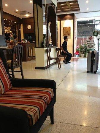 Tara Place: The lobby