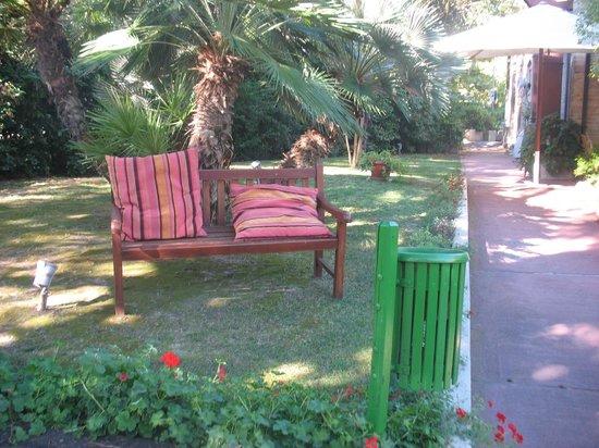 DecoHotel: giardino