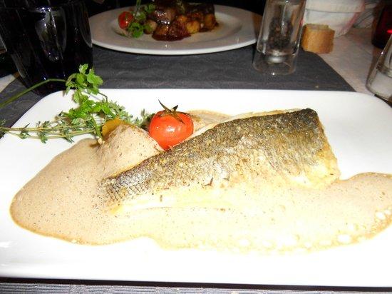 L'Assiette Provencale: Filet de daurade
