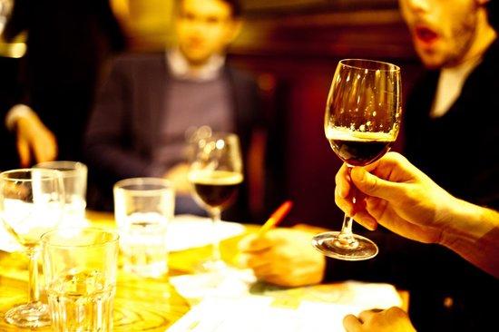 Indie Ales: using wine glasses helps the beer's aroma