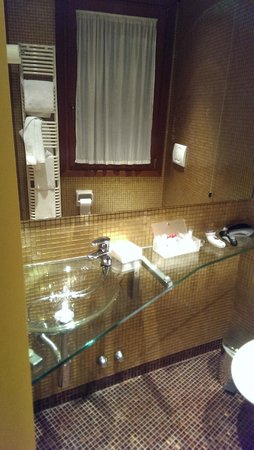 Hotel Concordia : Suite: Bad2