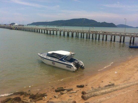 Coral Island Resort: Båten för att ta sig ut till Coral Island