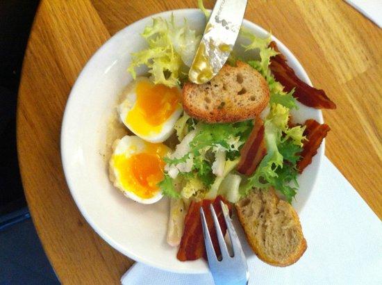 La Fiancée : Salade Bacon / Oeufs Mollet
