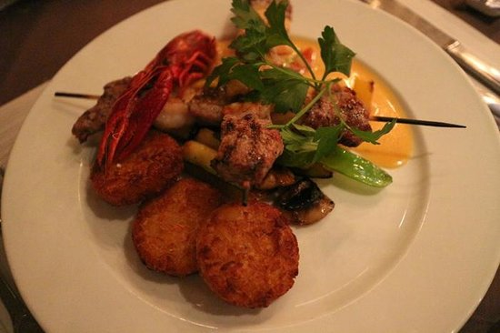 Gasten & Galionen : Surf and Turf