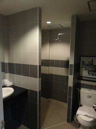 Cool Residence: Room